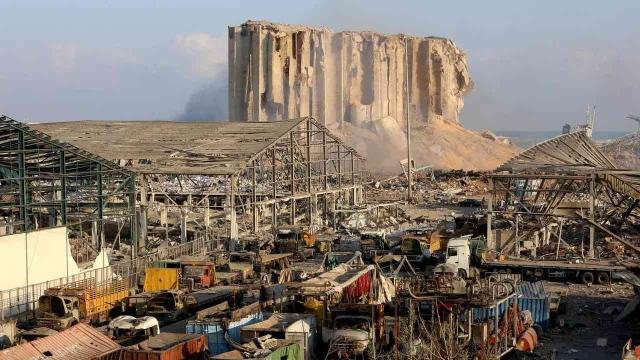 بتوجيه من محمد بن زايد .. الإمارات تقدم العون للمتضررين من انفجار بيروت - عبر الإمارات - الأخبار والتقارير